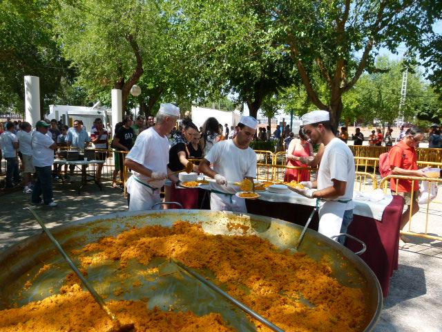 Verbena, paella popular, conciertos y reconocimientos en la recta final de las fiestas de Jesús del Perdón en Manzanares