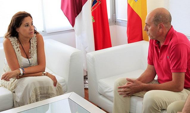 La Alcaldesa se interesa por como afronta el Deportivo Ciudad Real la presente temporada de fútbol