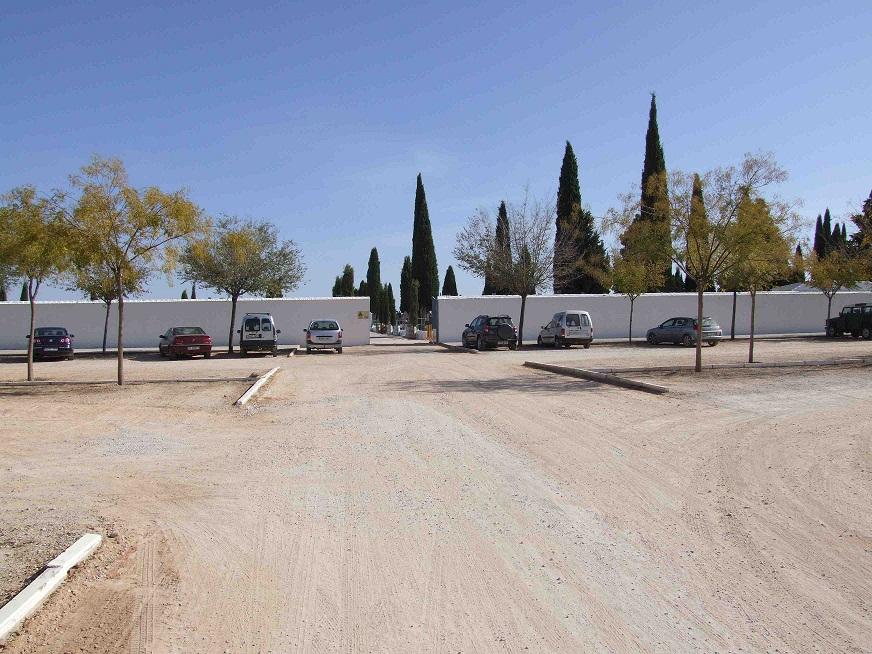 El buen tiempo colaboró en la masiva asistencia al cementerio de La Solana