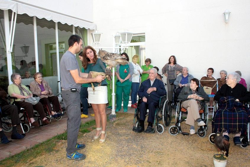 La alcaldesa de Carrión acudió invitada a la presentación de la implantación del Proyecto Horizonte 2015 en la Residencia Ntra. Sra de la Encarnación
