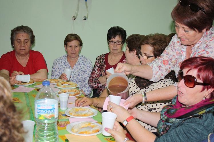 La asociación de mujeres de La Solana celebró una merienda inicio de curso, presentándose en la misma la nueva junta