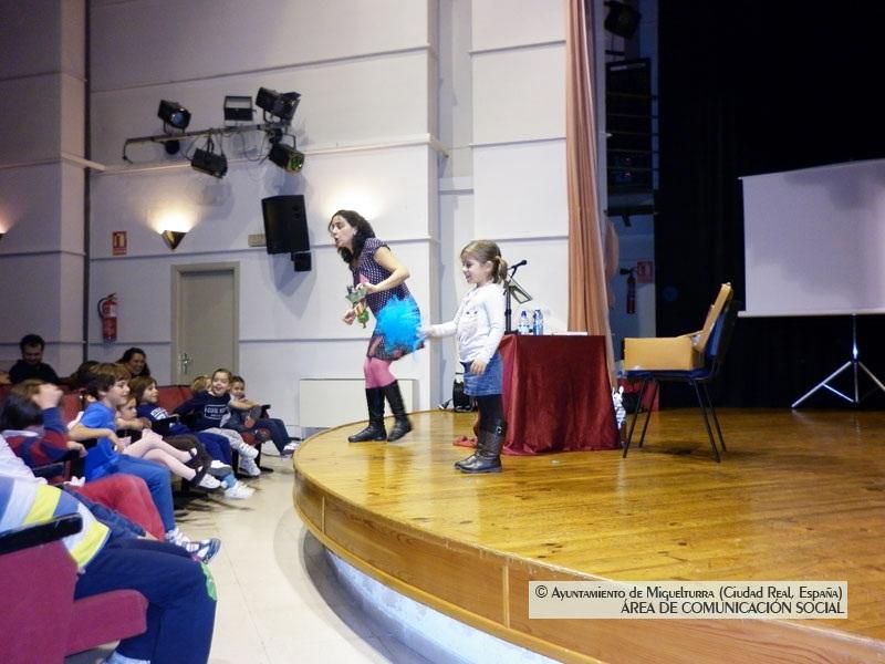 """""""Cuentos con pan y chocolate"""" para promover la lectura en Miguelturra"""
