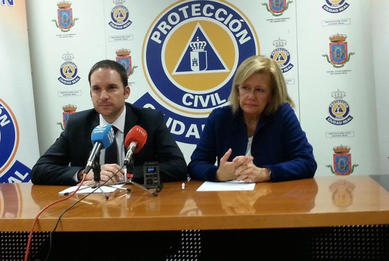 Arroyo y Messía de la Cerda aseguran que es responsabilidad del Ayuntamiento de Ciudad Real evitar que los transeúntes duerman en la calle