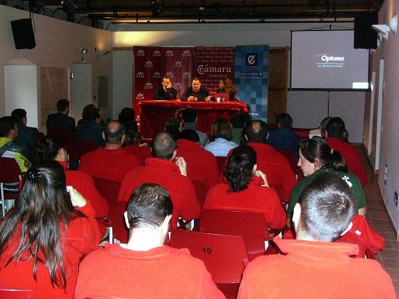 Empresarios y futuros emprendedores han participado en la I Jornada de Emprendimiento organizada por Ayuntamiento de Torralba y Cámara de Comercio de Ciudad Real