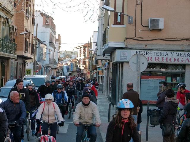 900 ciclistas toman las calles de Manzanares el día de la Constitución