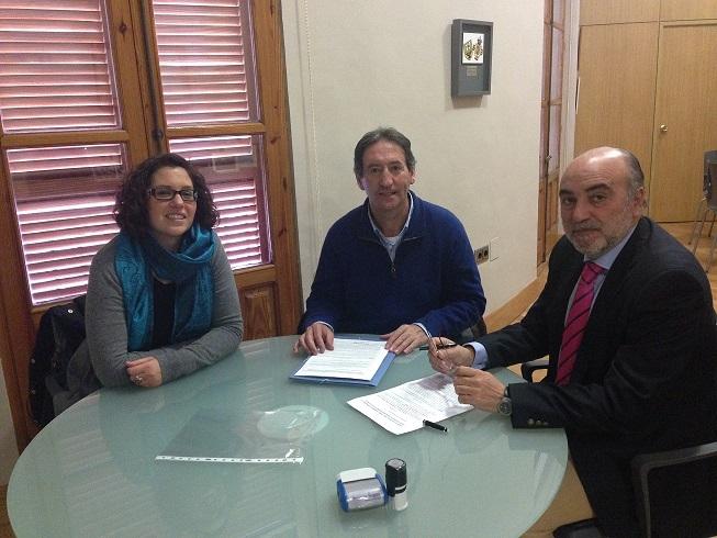 El Ayuntamiento y Proyecto Hombre renuevan su compromiso en prevención de drogodependencias