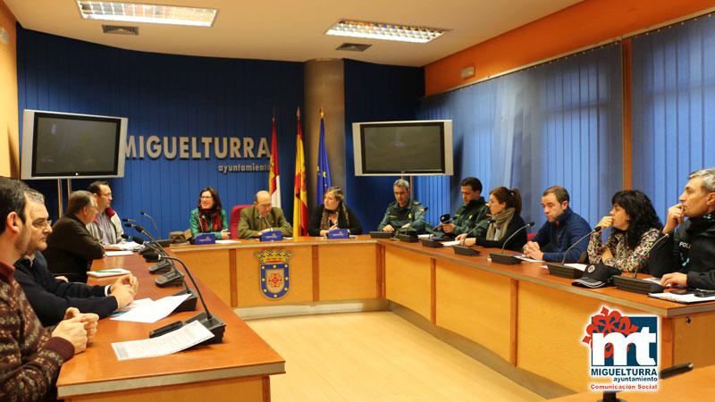 Reunión de La Junta Local de Seguridad para el evento «Encuentro Cultural de la Juventud en Miguelturra»