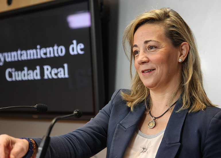 """Lola Merino: """"El IMPEFE invirtió 3 millones de euros en 2014 para combatir el paro, fomentar el emprendimiento y promocionar turísticamente Ciudad Real"""""""