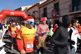 Torralba acoge una San Silvestre de récord, con más de 400 participantes disfrazados en un ambiente festivo