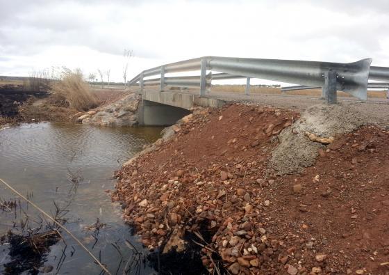 Carrión terminó las obras de la carretera hacia la Ermita y Calatrava La Vieja, en el salto del arroyo El Pellejero