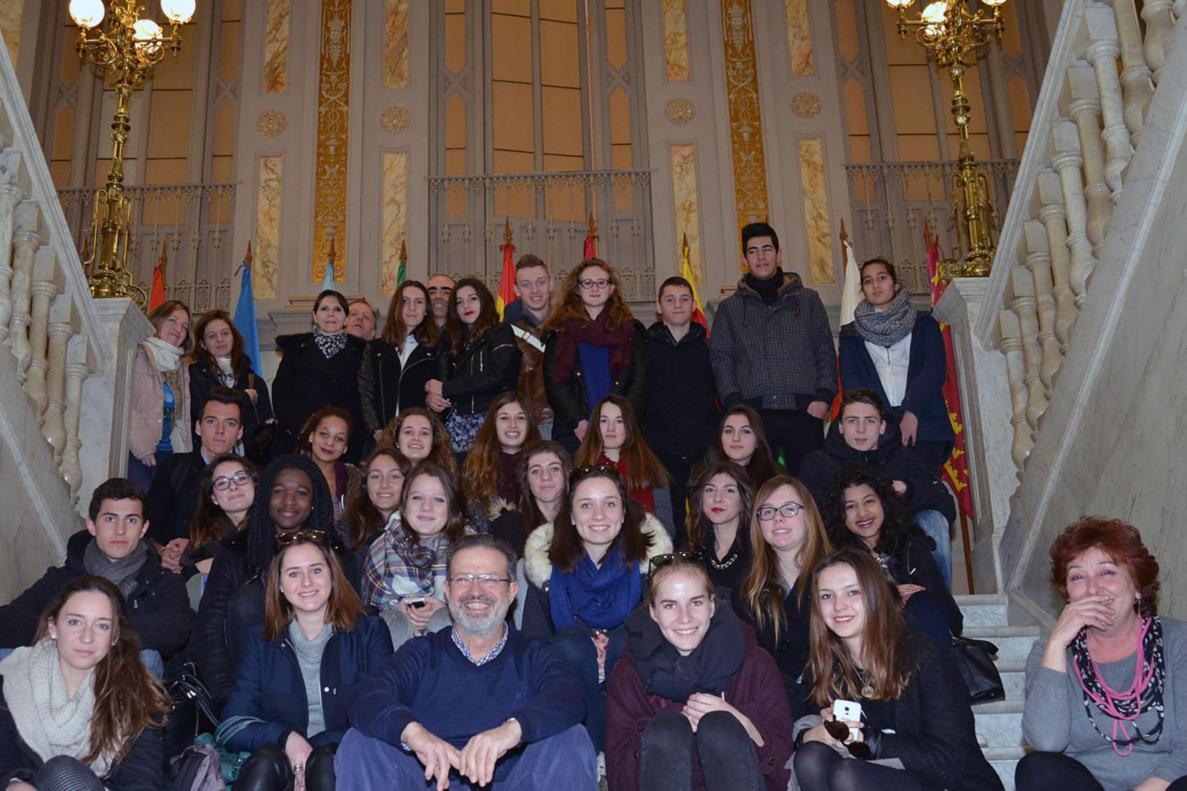 De Lara explica la gestión de la Diputación a estudiantes franceses de intercambio con el Atenea