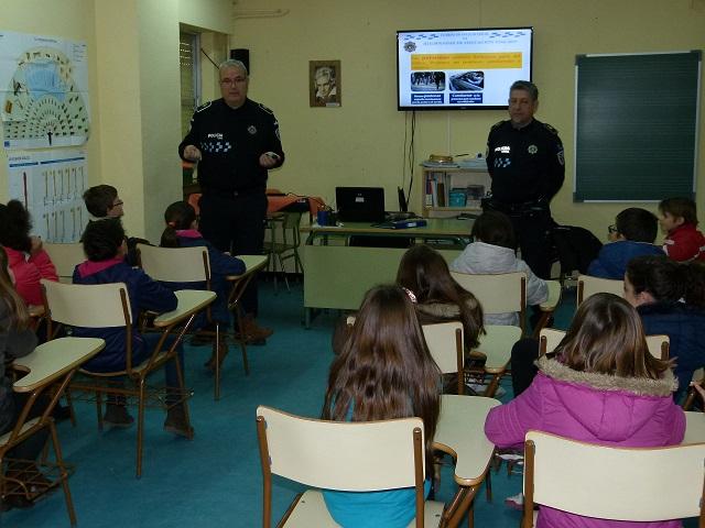 La Policía Local de Manzanares forma en educación vial a escolares de 4º y 5º
