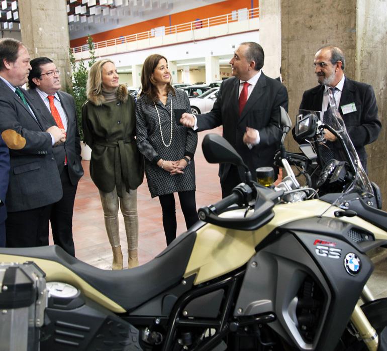 La alcaldesa de Ciudad Real en la inauguración de la Feria del Automóvil de Ocasión que organiza FECIR