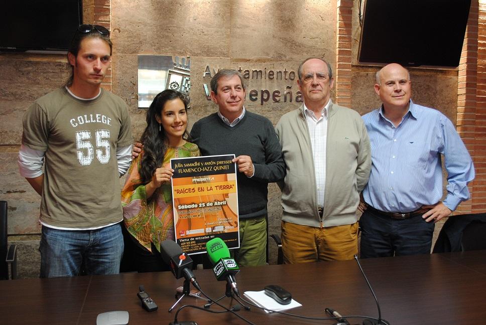 La valdepeñera Julia Samadhi cantará este sábado a beneficio de Cáritas