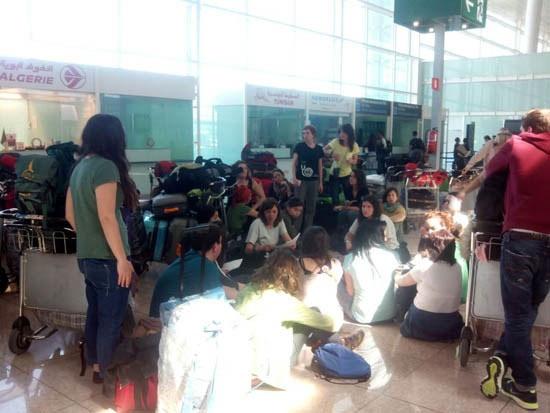 «Ya no sabemos qué hacer»: 14 cooperantes ciudadrealeños, atrapados en el Aeropuerto del Prat