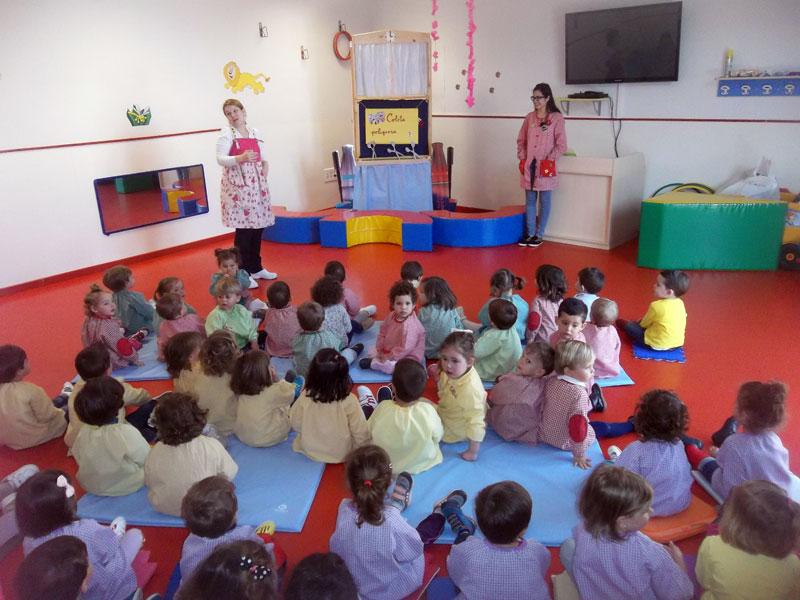 Día del Libro en la Escuela Infantil Municipal Pelines de Miguelturra, con la «Ratita Presumida»