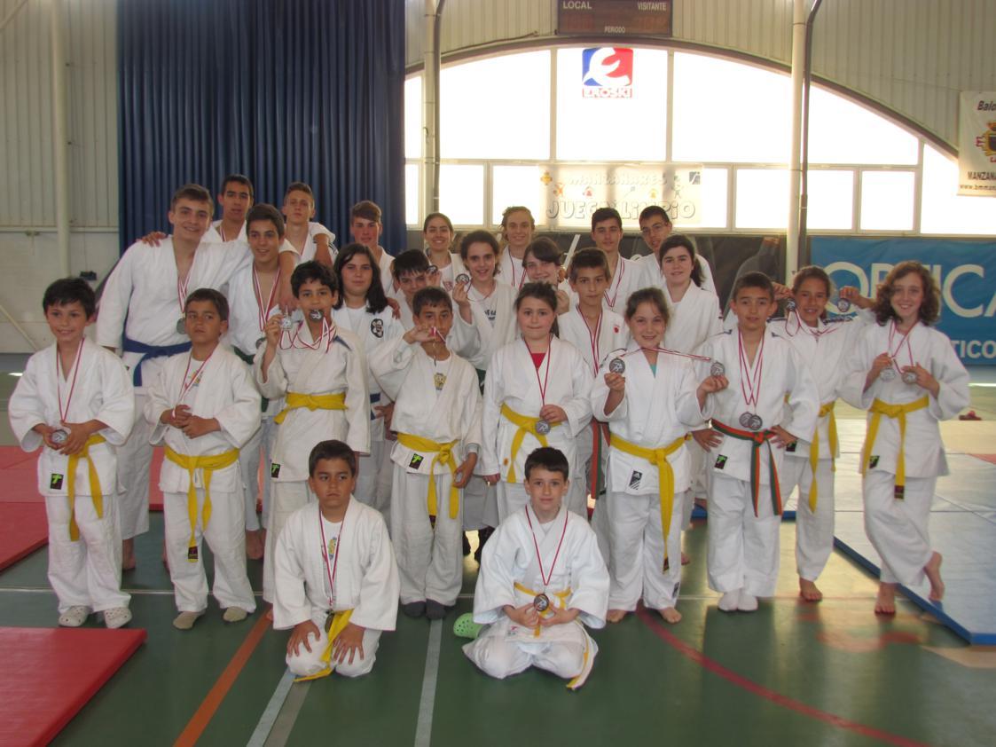 Nueve títulos para la Escuela Municipal de Judo en el regional de Jiu-Jitsu