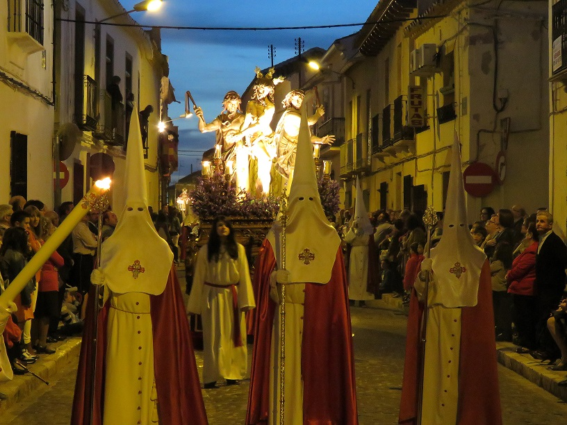 Cuatro hermandades dan esplendor a la procesión de la Pasión de Cristo el Jueves Santo en Manzanares