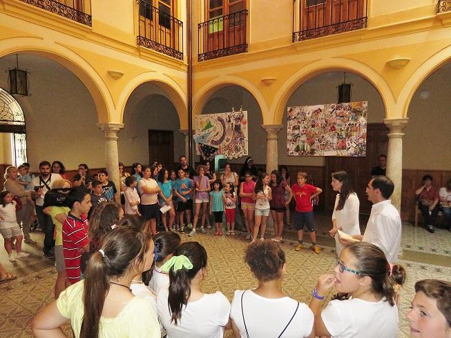 Cuatro colegios expresan su visión de los años 80 en el Museo Manuel Piña