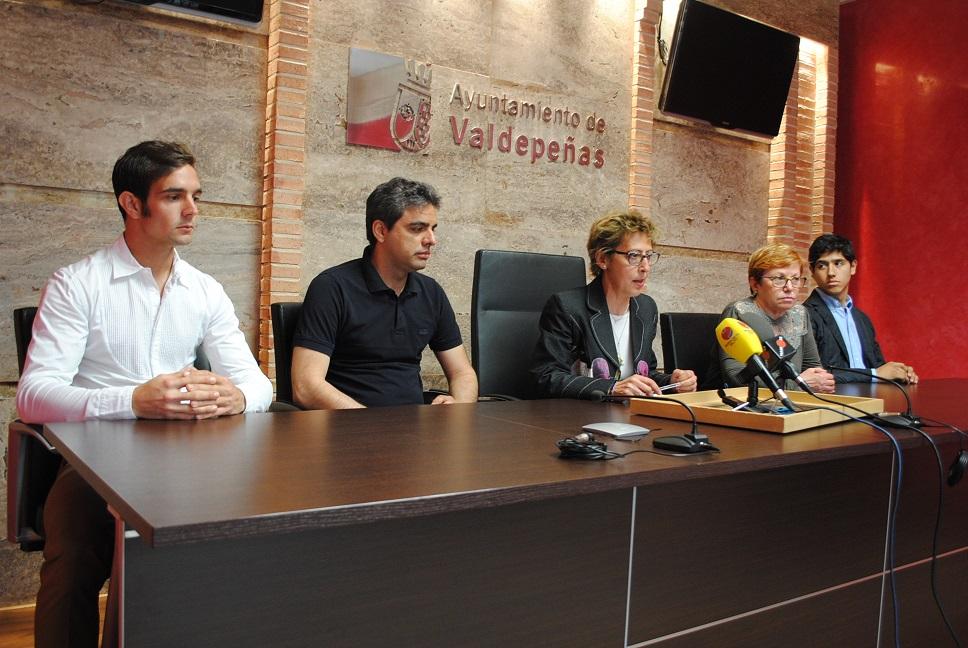 Valdepeñas acogerá una corrida de toros mixta a beneficio de AFA
