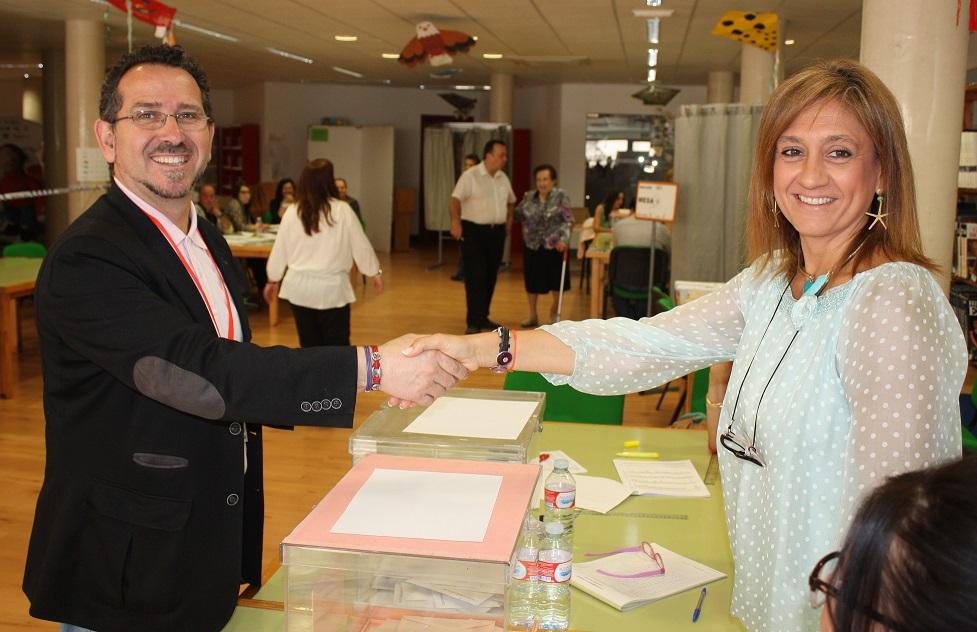 Los líderes y candidatos afrontan con ilusión y nerviosismo la jornada electoral en La Solana
