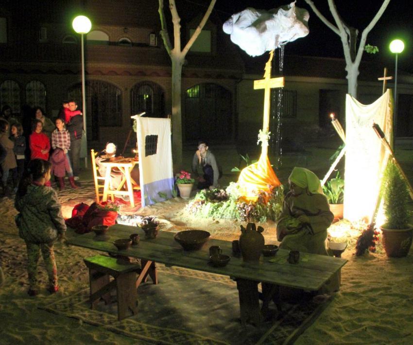 Los vecinos de Torralba han llenado las calles estos días de color con vistosas y cuidadas cruces de mayo