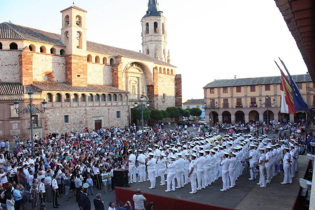 Brillante participación de la Banda de las Tres Caídas en la Plaza Mayor de La Solana