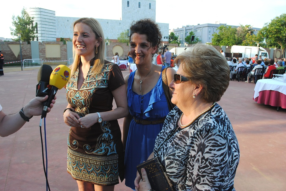 El Centro de Mayores del Lucero celebró las fiestas de San Juan en Valdepeñas