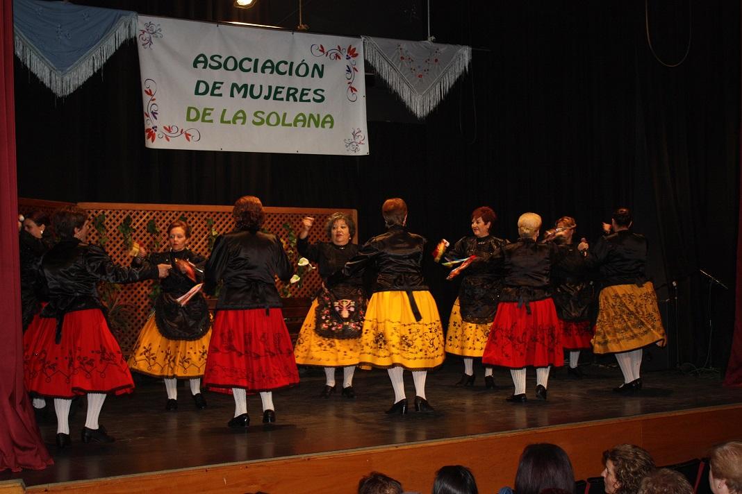 La Asociación de Mujeres de La Solana se subió a las tablas para celebrar su festival