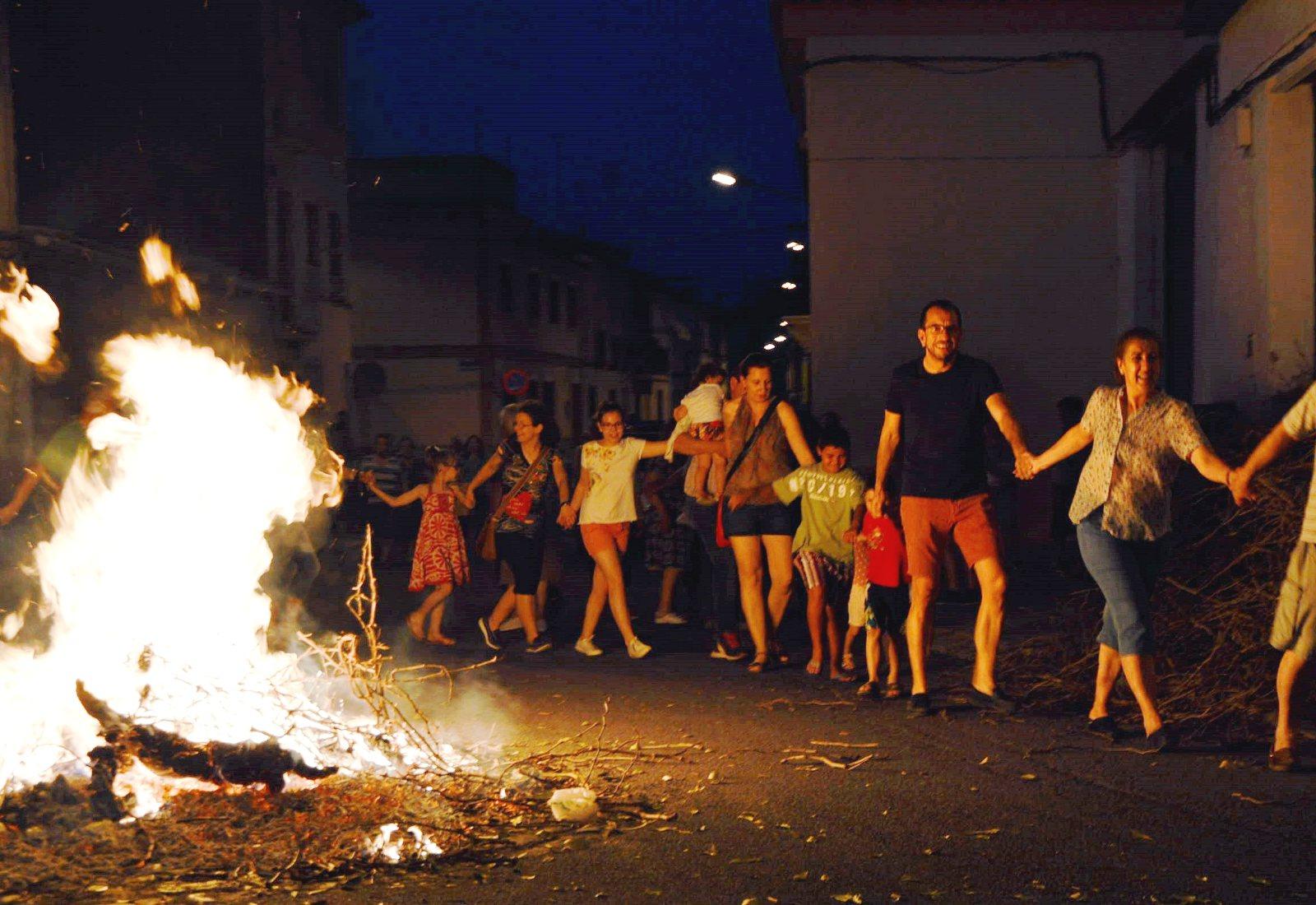 Laurel, romero y buenos augurios en la noche de San Juan en Daimiel