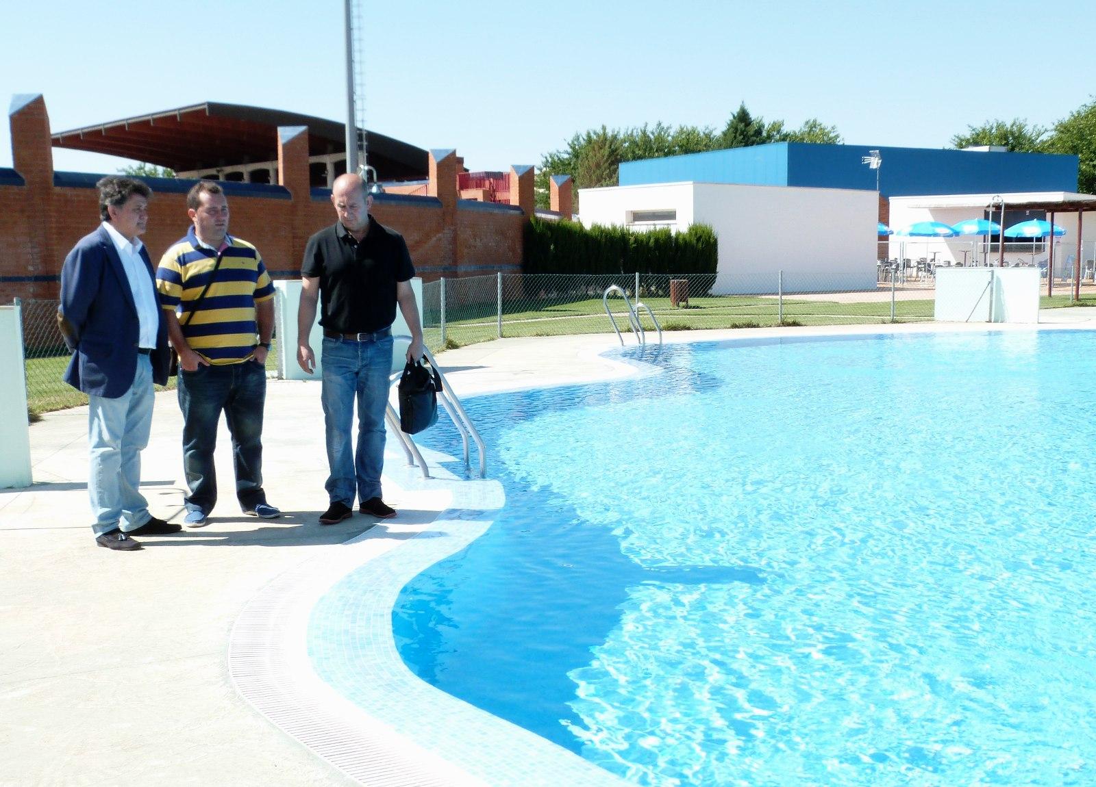 Ya est n abiertas las piscinas de verano de daimiel for Piscina municipal pinto