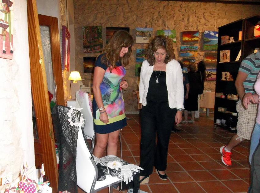 Mucha participación en las actividades de la 26ª Semana Cultural de Carrión, cuyas exposiciones visitaron la alcaldesa anfitriona y la de Torralba