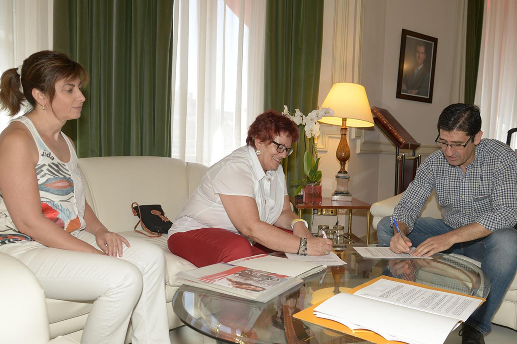La Diputación destina 15.000 euros al Plan de Empleo de Cruz Roja