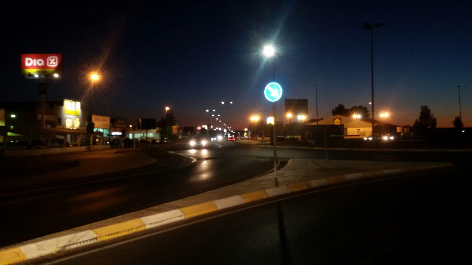 244 nuevas luminarias alumbran desde el lunes la Avenida Adolfo Suárez de Alcázar