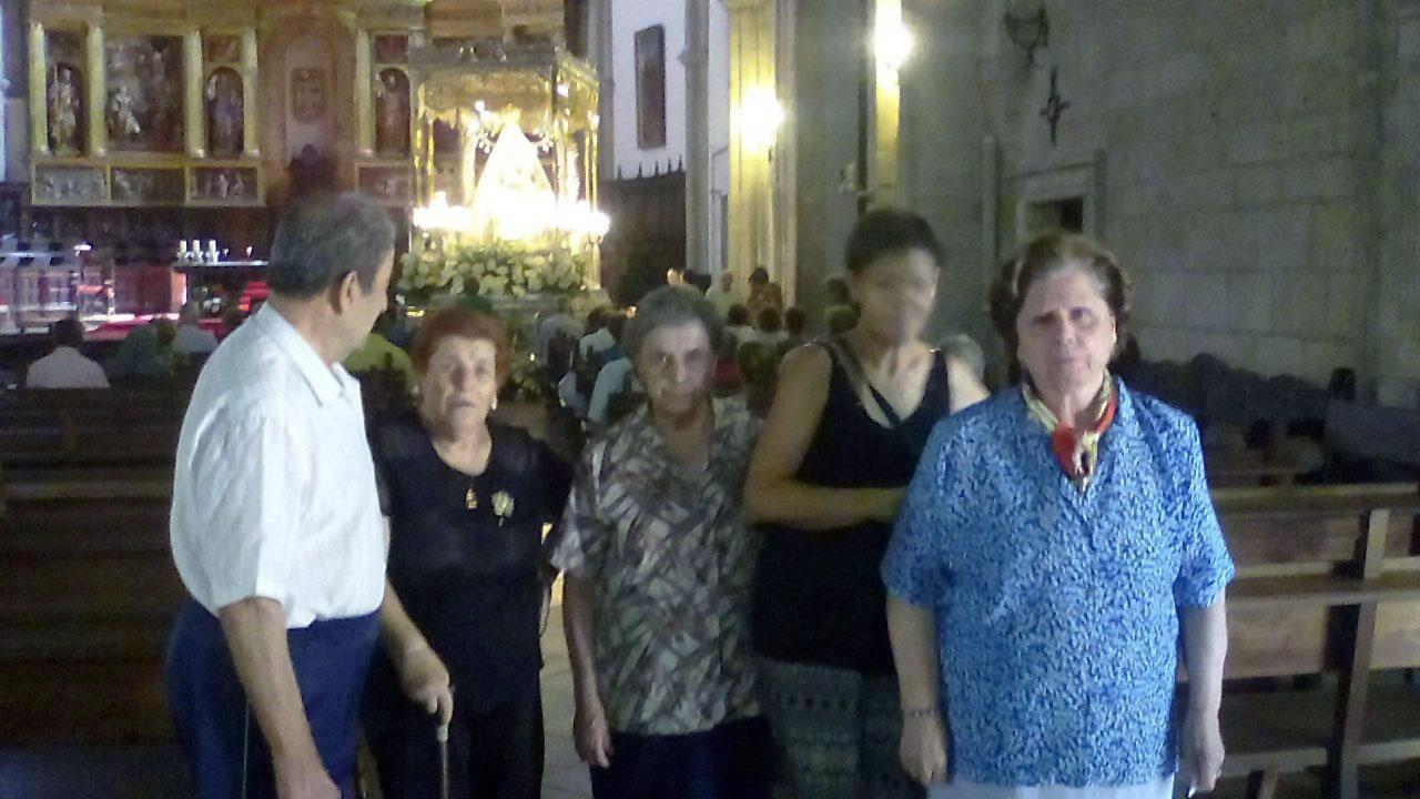 Los usuarios del Servicio de Estancias Diurnas visitan a la Virgen del Prado