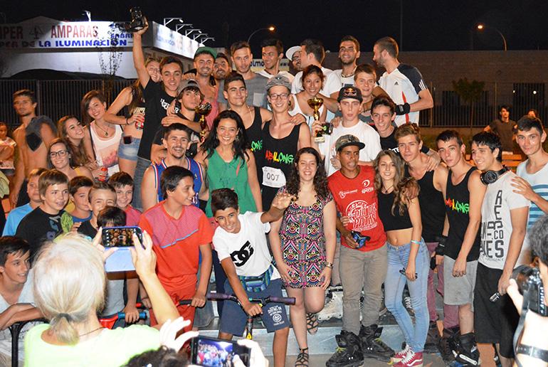 Cientos de jóvenes disfrutan de las actividades del Día de la Juventud en el Skate Park