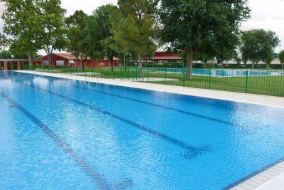 El Área de Deportes convoca la competición de natación de las fiestas patronales