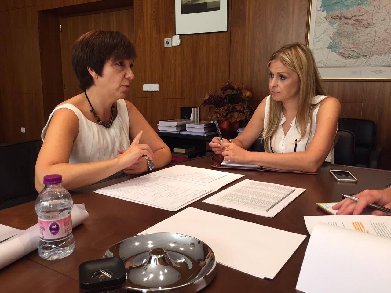 reunión de Rosa Melchor con Elena de la Cruz