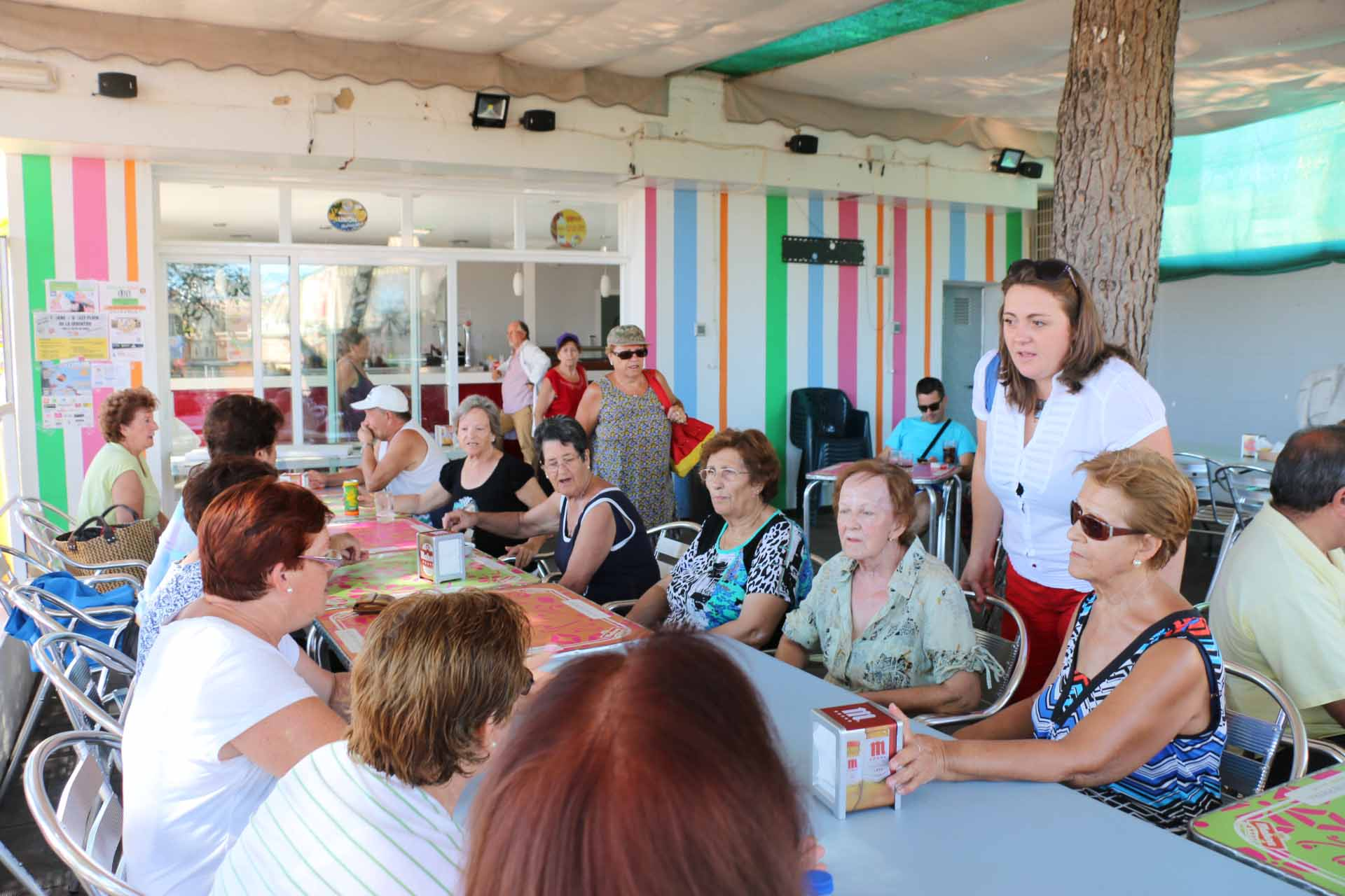 Clausurado el taller de Gerontogimnasia en la Piscina Municipal con la presencia de la concejala Ana Belén Chacón