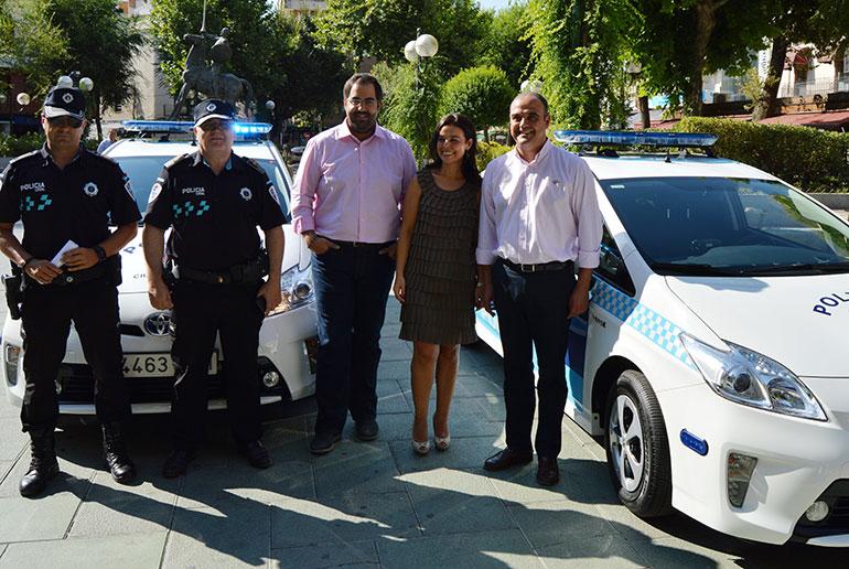 vehículo híbrido de la policia local