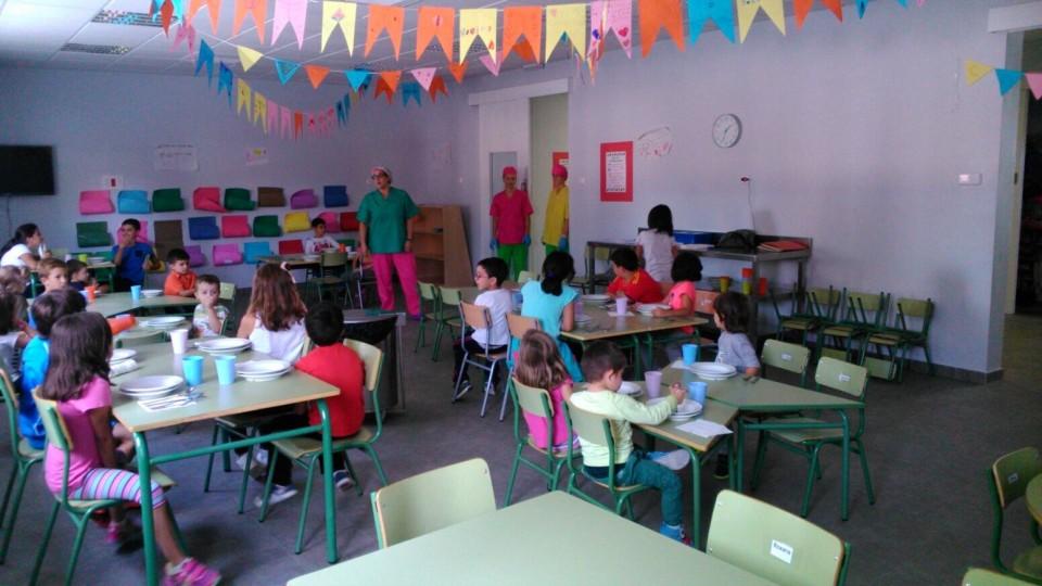 El comedor escolar municipal está siendo clave para favorecer la conciliación en muchas familias pedroteñas
