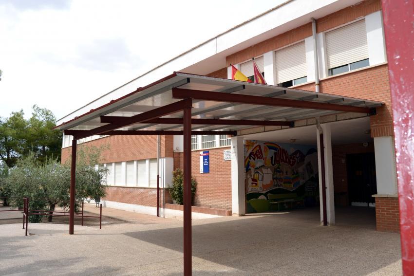 Foto del nuevo porche del Colegio Nuestra Señora de la Encarnación de la calle Real