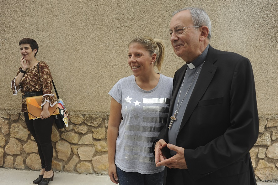 Inmaculada Jiménez asiste a la inauguración de la nueva parroquia de Los Ángeles