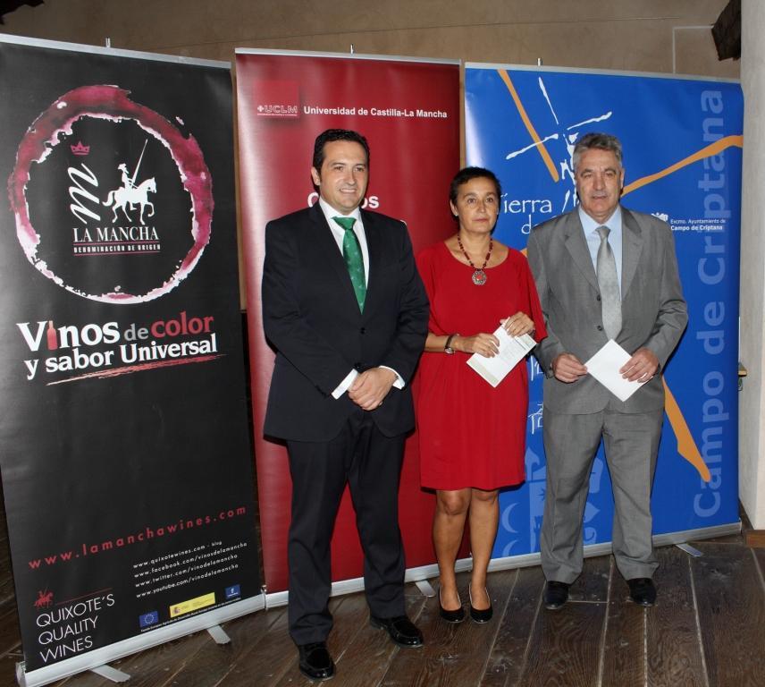 Antonio Lucas-Torres anuncia el registro del dominio www.escueladecatadores.es
