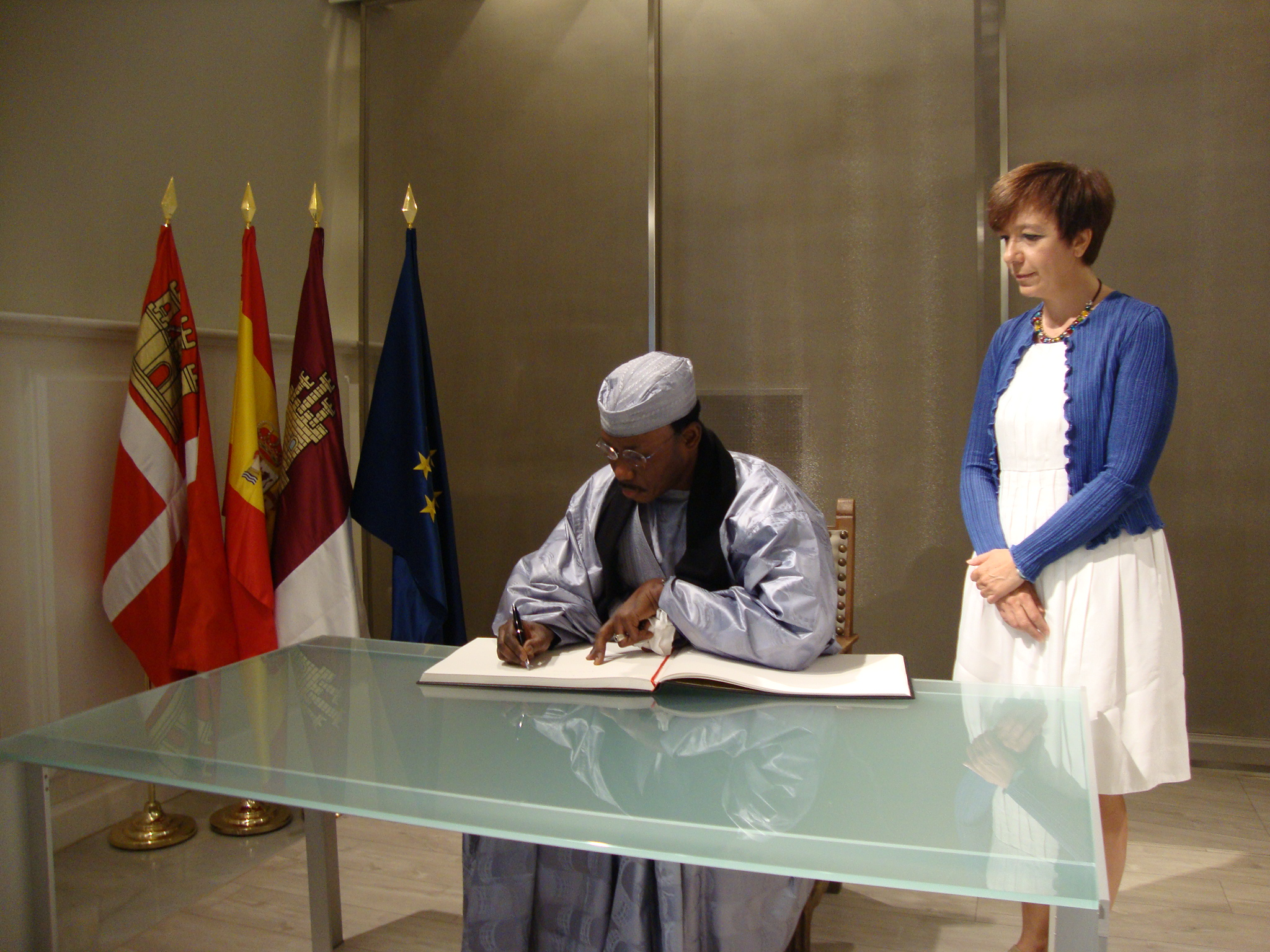 El Papa de Senegal visita Alcázar y participa en la Conferencia sobre la Paz
