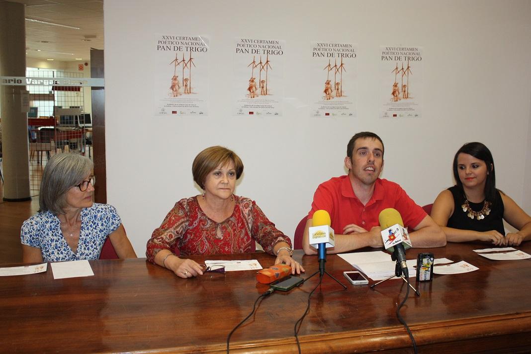 El vallisoletano Jose Luis Martín, primer premio del Certamen Nacional de Pan de Trigro