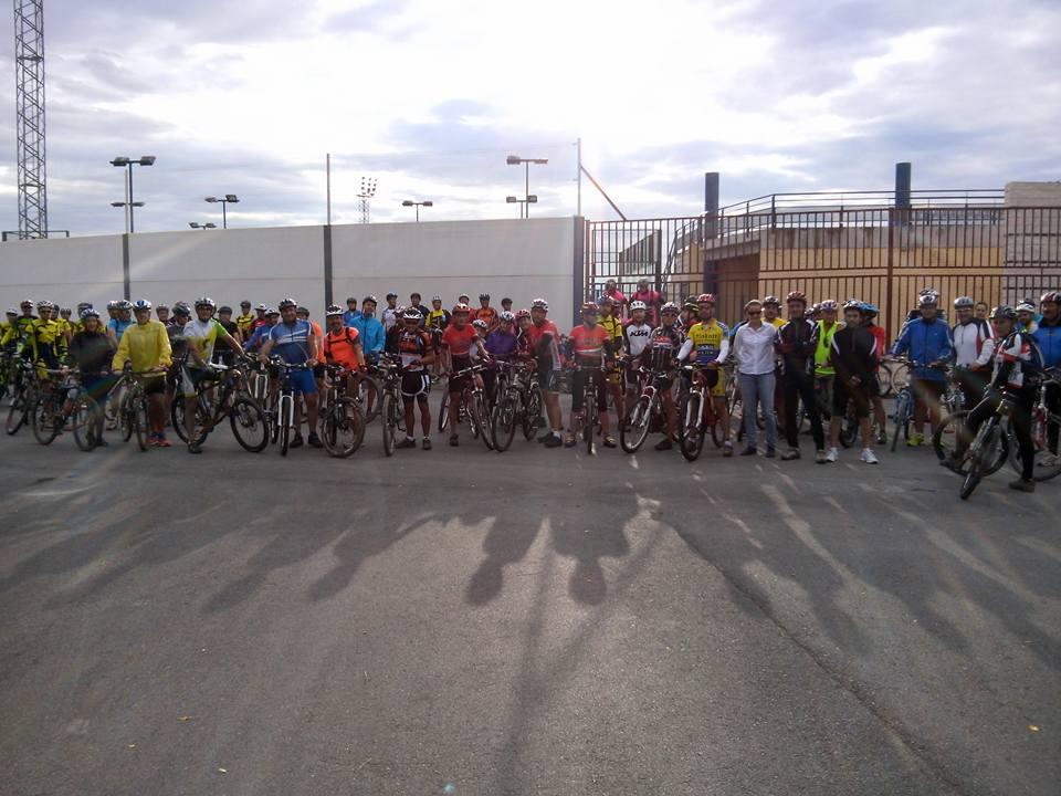 Más de noventa participantes en una ruta cicloturista por caminos rurales