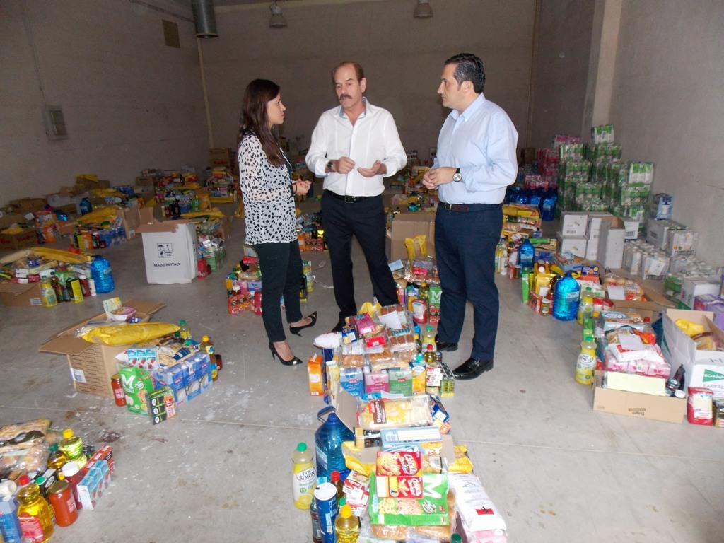 Transportes AMA dona un camión de productos para el Banco de Alimentos de Campo de Criptana