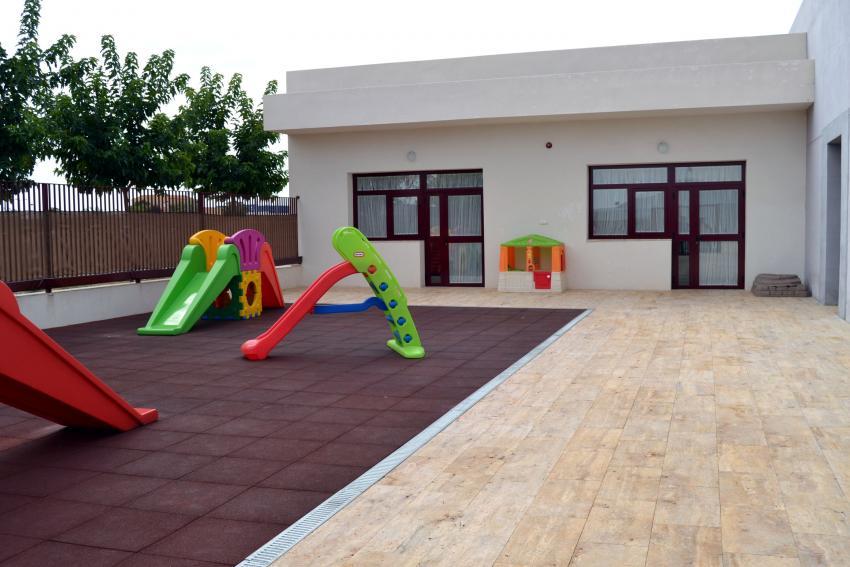 La Guardería Municipal de Carrión de Calatrava abre la inscripción con nuevos juegos infantiles, para incrementar la seguridad