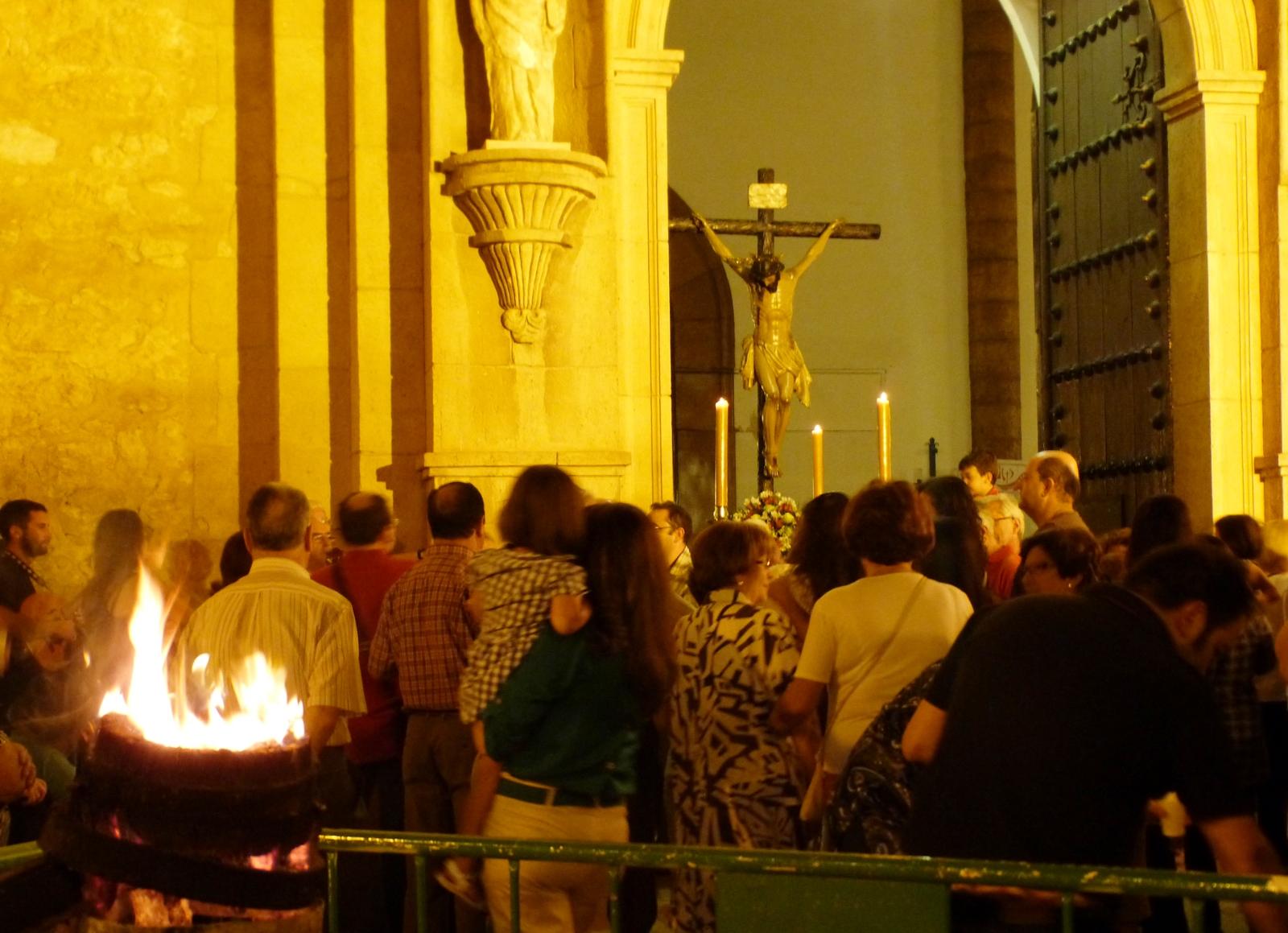 Este domingo se celebra la tradicional ' Quema de los Cubos '